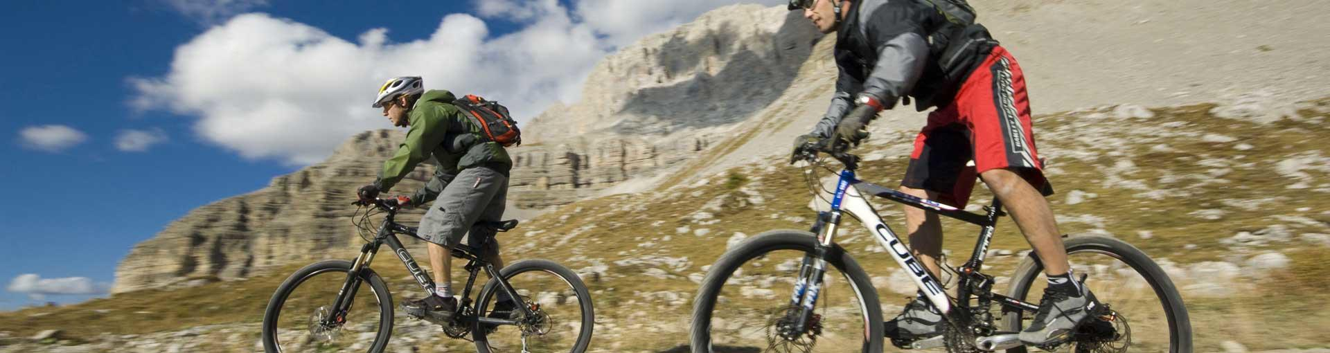 Escursione in mountain bike tra le Dolomiti del Brenta